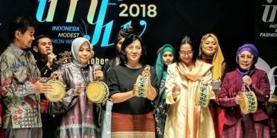 IMFW 2018: Bukti Kian Berkibarnya Industri Modest Fashion Indonesia