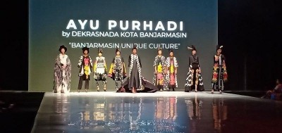Modest in Style dan Dekranasda Banjarmasin di Indonesia Fashion Week 2019