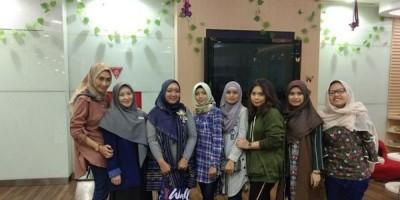 Tampil Cantik Berseri Bersama Wall Street English Pondok Indah