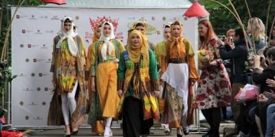 FridAulia Indonesia Sajikan Keindahan Batik Bogor di Festival Indonesia Moskow