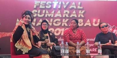 Lisda Hendrajoni Lestarikan Budaya Minang, Obati Rindu Pada Kampung Halaman