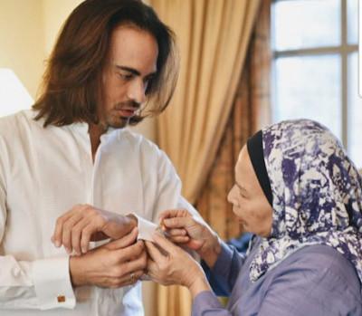 Ungkapan Cinta Almarhum Ashraf Sinclair Kepada Ibunda Tercinta