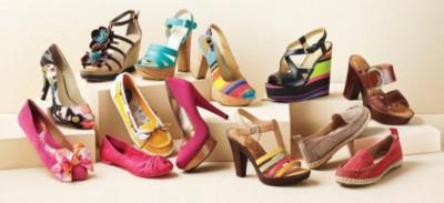 Hati-hati, Virus Corona Bisa Menempel di Sepatu. Perhatikan Cara Membersihkannya.