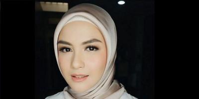 Cerita Revalina S Temat, Urung Rilis Bisnis Hijab Karena Pandemi Virus Corona