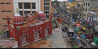 Kubah Utama Masjid Bersejarah Mubarak Begum Runtuh Akibat Hujan Deras Yang Melanda India