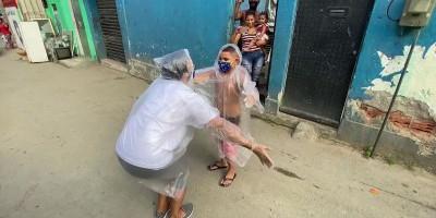 Sapa Siswa Di Tengah Pandemi, Guru Di Brasil Siapkan Perangkat Pelukan