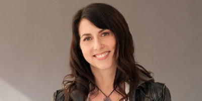 MacKenzie Scott Jadi Wanita Terkaya Di Dunia, Berapa Total Kekayaannya?