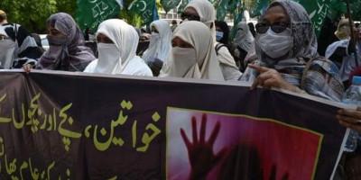 Kelompok Perempuan Pakistan Marah, Tuntut Kepala Polisi Mundur Karena Salahkan Korban Perkosaan