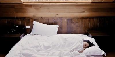 Bahaya Tidak Mematikan Lampu Saat Tidur