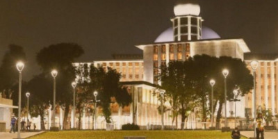 Masjid Istiqlal Kian Cantik & Mewah