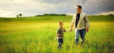 Dear Ayah, Jangan Ucapkan Hal Ini Pada Anak Lelaki, ya ..