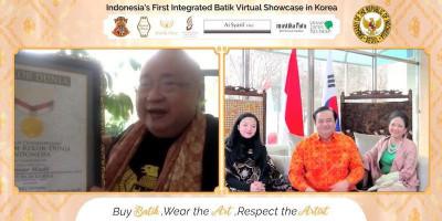 Jualan Batik Lebih Dari Rp 1 Miliar, Dubes Umar Hadi Dapatkan Rekor MURI