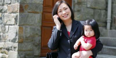 Masih Bergulat dengan Mom Guilt? Berpikirlah Positif dan Lakukan Yang Terbaik, Jangan Terpengaruh Kehidupan Orang Lain