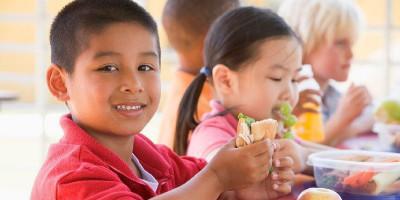 Yuk Bantu Cukupi Kebutuhan Gizi Seimbang Anak Usia Sekolah Dasar Dengan Tujuh Hal Ini!