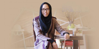Franka Soeria, Penulis Yang Tersasar di Dunia Fesyen