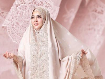 Berburu Mukena Artis Untuk Ramadan & Lebaran