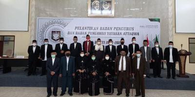 KH. Irfan Mas'ud Dilantik Sebagai Pimpinan Yayasan Attaqwa