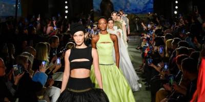 Lama Vakum Karena Pandemi COVID 19, New York Fashion Week Digelar lagi. Bagaimana Prokesnya?