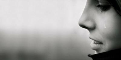 Mengadulah, karena Kekuatan Istri Terletak pada Air Mata dan Keikhlasan Doanya