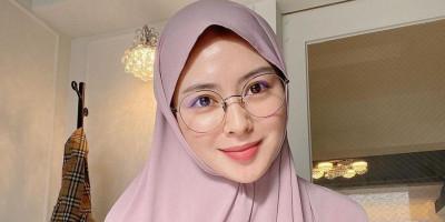 Bukti Cinta, Ayana Moon Kerap Tulis Caption Dalam 4 Bahasa untuk Followersnya